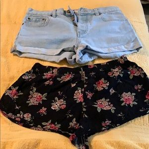 Bundle of two shorts..
